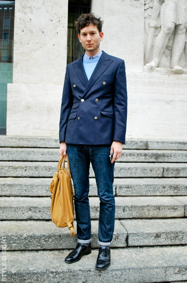 DOUBLE-BREASTED-AND-JEANS-PARIS-STREET-STYLE-PREP
