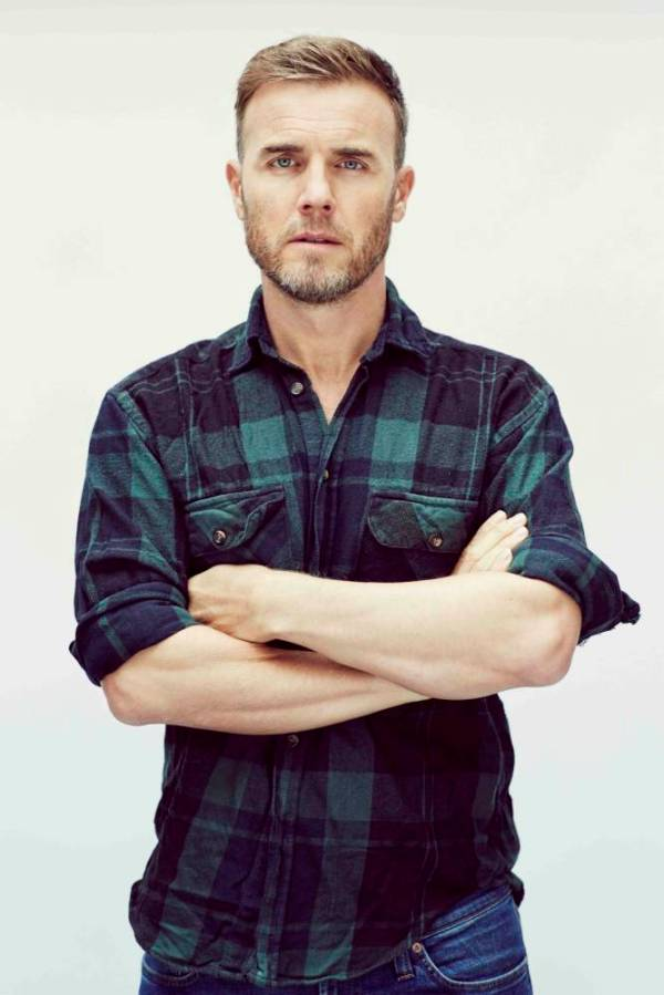 Gary Barlow hand out press shots to promote new album Since I Saw You Last