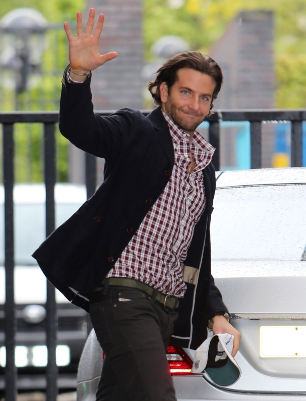 ©BAUER-GRIFFIN.COM 24th May 2013.  Bradley Cooper seen at the London studios today. www.bauergriffin.com www.bauergriffinonline.com Ref: KGC-04