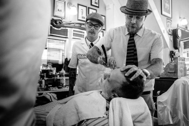 Bertus-shaving-client