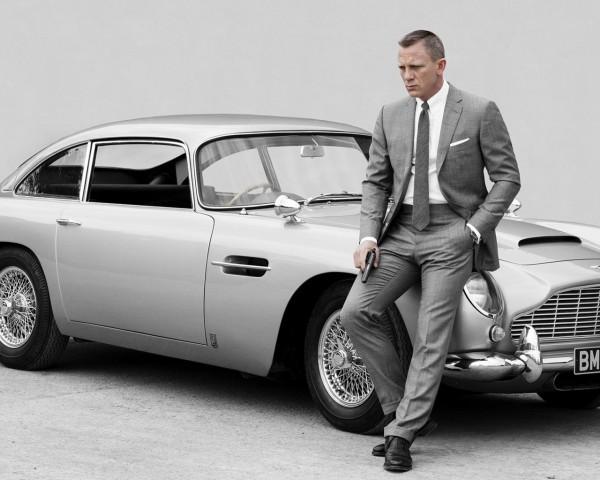 James-bond-with-Aston-Martin