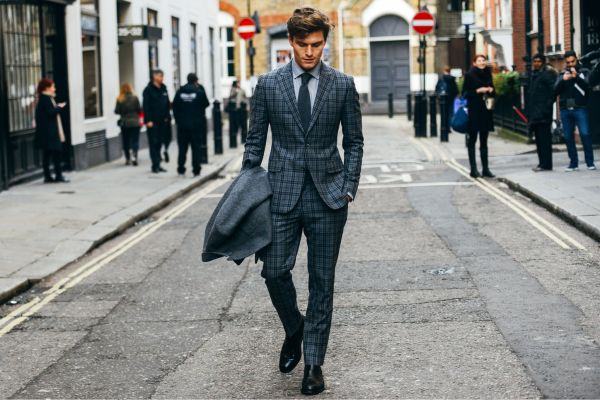 152231-Tommy-Ton-In-London-Street-Style-At-2015-Fall-Menswear-Shows-