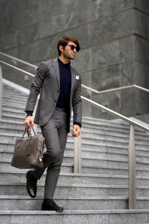 suit-x-polo-business-look-leather-bag-stairs-street-fashion