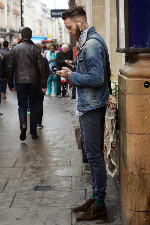 ipone-in-denim-shearling-tapered-pants-chukka-streetstyle