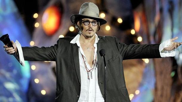 Đâu phải ai cũng tự tin như Johnny Depp?