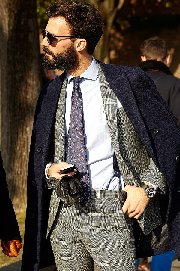 overcoat-suit-dress-shirt-tie-gloves-suspenders-original-7798