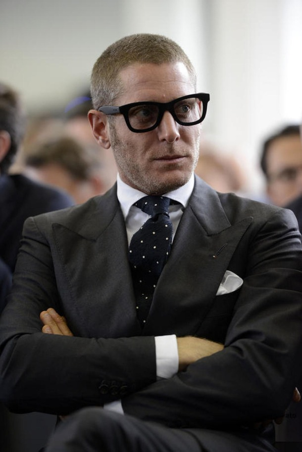 lapo-elkann-in-black-and-white-menswear-glasses-dotted-tie