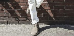 Mặc quần jeans trắng theo cách tự nhiênnhất